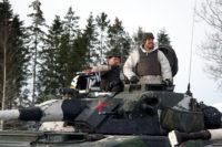 Svenske soldater under øvelse i Værnes-området under øvelsen Cold Response 2016. Vil US Marines dra til Sverige og øve? ( Foto:Winnefride Steen/FMS)